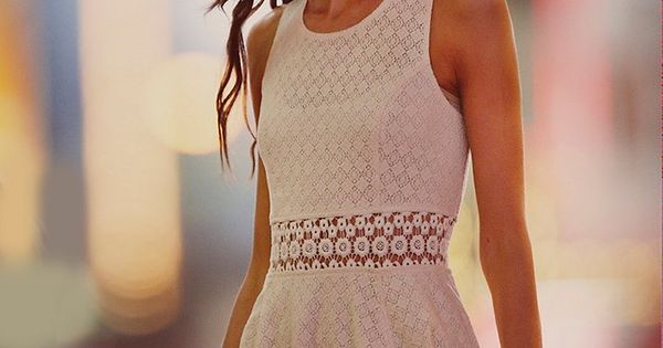 Model: Karlie Kloss | Free People Fitted With Daisies Dress - www.freepeople.co...