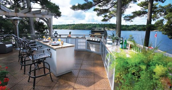 5 Ways To Add A Great Outdoor Kitchen Cabin Life Magazine Photo Courtesy Napoleon Gourmet