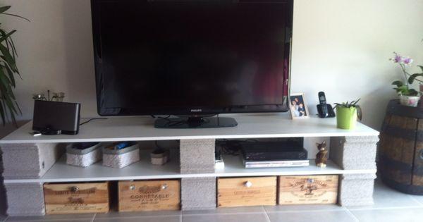 planches parpaings caisses de vin boutons d pareill s meuble tv am lior mobilier. Black Bedroom Furniture Sets. Home Design Ideas