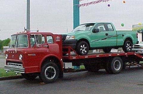 Ford C 600 Coe Car Hauler Flatbed With A Beaver Tail