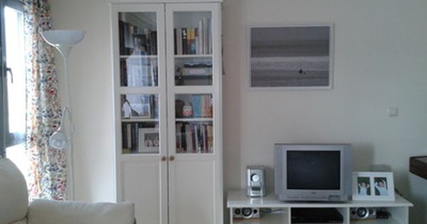Mueble tv libreria liatorp blanco mueble tele for Mueble libreria ikea