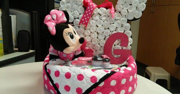 minnie mouse diaper cake 16 pizza pan bottom layer baby quilt by ann 84 size 2 3 diapers. Black Bedroom Furniture Sets. Home Design Ideas