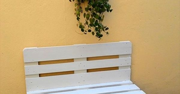 White painted pallet bench with short metal legs 130 for White painted pallets