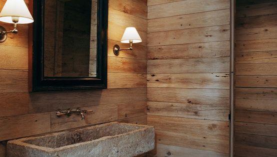 Bagno pietra e legno pavimento irregolare in pietra idee - Come lucidare una vasca da bagno opaca ...