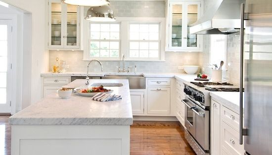 Must have a white kitchen one day love this kitchen for Must have kitchen ideas