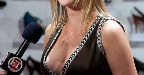 Ivanka Trump Hot Cleavage   Wallpaper World: Sexy Ivanka Trump hot Cleavage wallpaper.   Ivanka ...