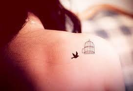 Resultado De Imagem Para Small Tattoos Women Tattoos For Women Tattoos Small Bird Tattoos