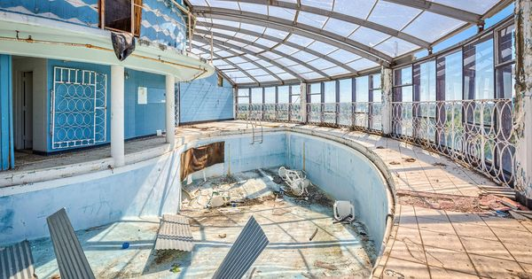 Ky owensboro gabe 39 s tower 2015 pool located on top for 13th floor augusta tower