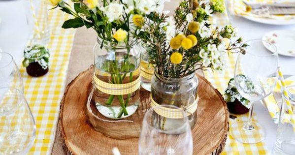 tischdekoration hochzeit rustikale deko gelbe akzenten wedding. Black Bedroom Furniture Sets. Home Design Ideas