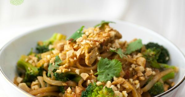 No Chicken Vegan Pad Thai