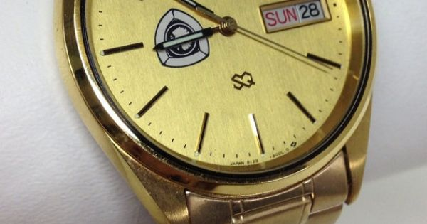 men 39 s seiko watch gold mutual of omaha branded by. Black Bedroom Furniture Sets. Home Design Ideas