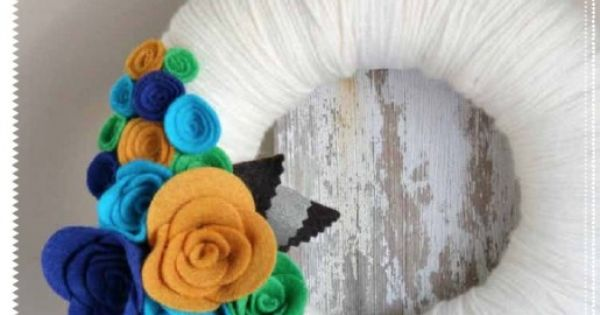 This yarn wreath tutorial has another variation on the felt rose
