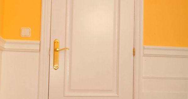 C mo lacar una puerta de madera colores puertas y pintura - Como barnizar una puerta de madera ...