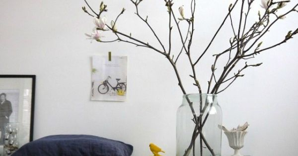 Magnolia takken in vaas vazen en potten pinterest for Woondecoratie vensterbank