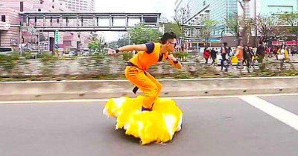 ドラゴンボールの筋斗雲を自作した強者が街を爆走するムービー ライブドアニュース unique