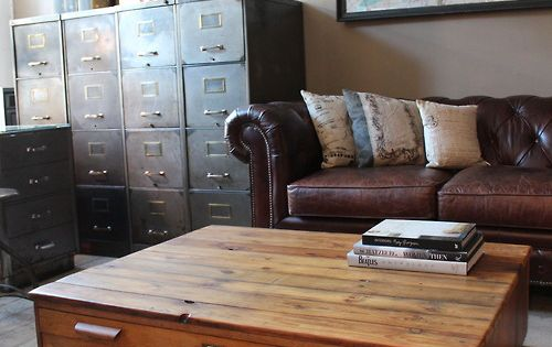 {Living Room} Flat file coffee table. Love this! Keep your coffee table