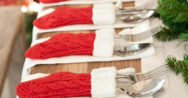 Elegant place settings for the christmas table. christmasdecor christmasathome table