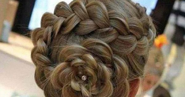 How to do a Braided Flower Hair Style I love this hairstyle