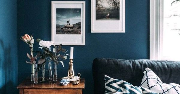 step inside a blogger 39 s cozy and eclectic swedish home wandfarbe wohnzimmer und wohnen. Black Bedroom Furniture Sets. Home Design Ideas