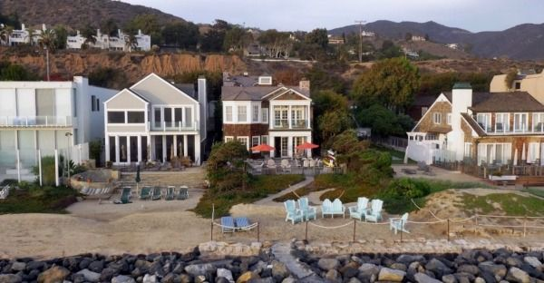 i want the beach house from grace and frankie thanks malibu beach house malibu beaches and. Black Bedroom Furniture Sets. Home Design Ideas