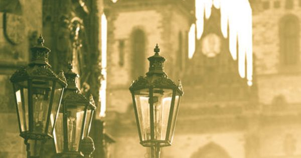 Foggy Morning, Prague, Czech Republic. Dale color a tus viajes con tu