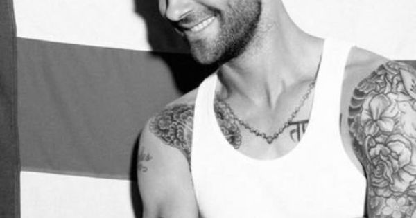 #Sexy Adam Levine from Maroon 5 has some awesome tattoos