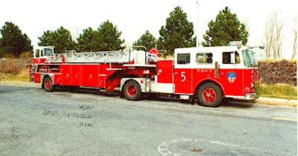 Fdny Ladder 5 Seagrave 100 Tractor Trailer New York Rig