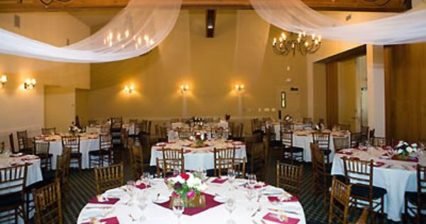 30++ Chardonnay golf club restaurant information