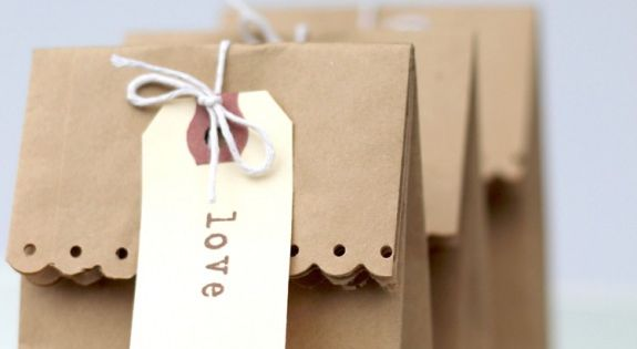 DIY Brown Paper Gift Bag by thepartystudio: Simple, homemade and personal. Gift_Bag