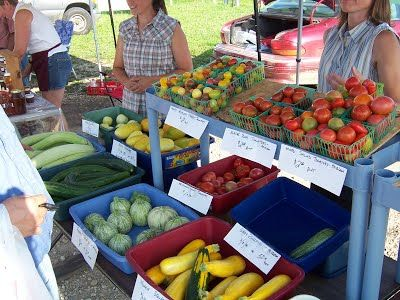 Friday Is A Market Day Perry Lecompton Farmer S Market In Perry Kansas 4 6 30pm Http Www Farmersmarketonline Com Fm Perr With Images Farmers Market Marketing Kansas