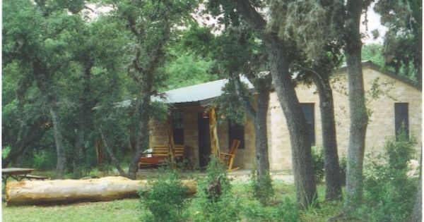Secluded Cabin In Texas Hill Country On Frio River Concan Texas Vacation Rentals Secluded Cabin Texas Hill Country Decor Texas Hill Country House Plans