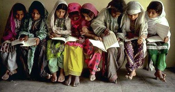الرفقه الصالحة واصبر نفسك مع الذين يدعون ربهم بالغداة والعشي يريدون وجهه ولا تعد عيناك عنهم تريد زينه الحياة Pakistan Kids Around The World Pakistani Culture