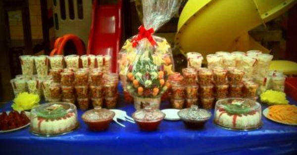 Fotos de mesas de dulces y salados para xv a os y for Mesa salada para cumple