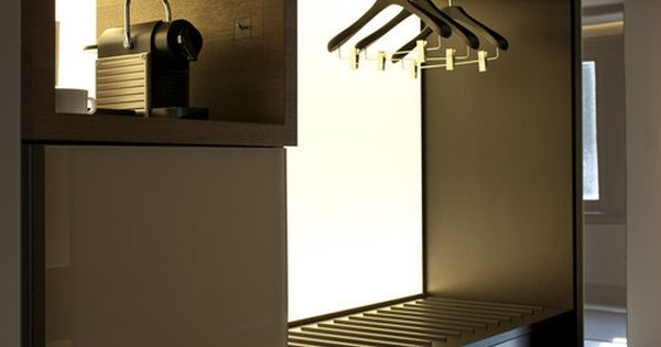 Conservatorium hotel amsterdam by pierro lissoni - Iluminacion interior armarios ...