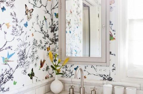 C mo decorar el ba o con papel pintado papel pintado - Pintar bano con hongos ...