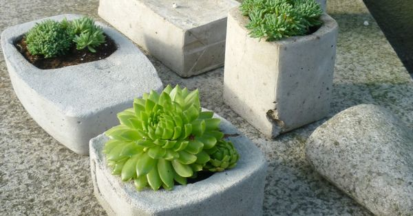 pflanzgef e aus beton selbstgemacht concrete planters diy steine pinterest maison. Black Bedroom Furniture Sets. Home Design Ideas