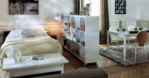 petits espaces am nager un coin chambre dans son salon coin chambre espaces minuscules et coins. Black Bedroom Furniture Sets. Home Design Ideas