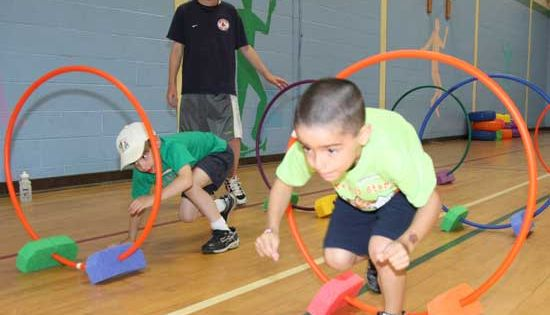 Indoor Obstacle course using hula hoops. Totally need to ...