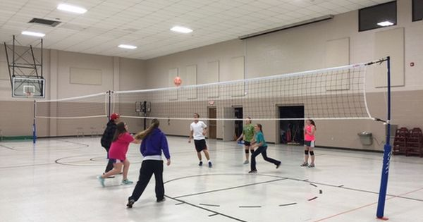 This Indoor Volleyball Court Looks Really Fun I Was On The Team In High School And I Miss Playing It That Net Lo Indoor Volleyball Volleyball Volleyball Net