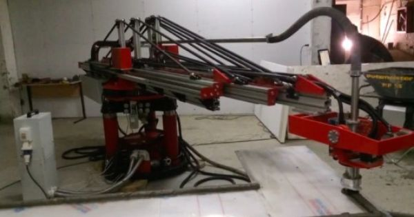 New 3d House Printer Cranks Out 1 000 Square Feet A Day Industrial 3d Printer 3d Printed House 3d Printer