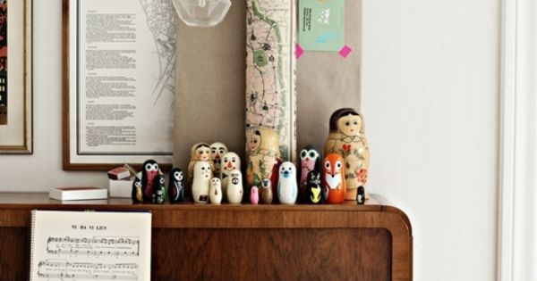 Vintage Piano, Vintage/Antique Maps & Matryoshka dolls... Vintage Home Decor Ideas