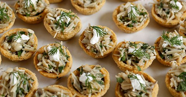 Wild mushroom tartlets fresh field mushrooms lightly for Buy canape shells