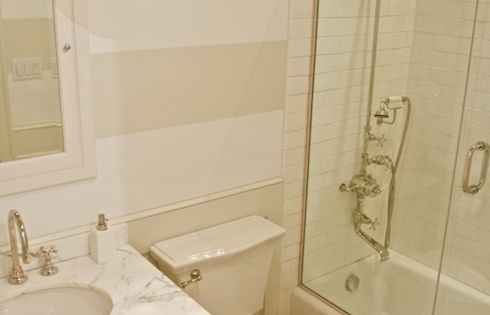 Source Leo Designs Chicago Lovely Bathroom Features White And Tan Horizontal Striped Walls