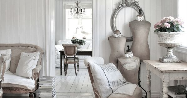 Beautiful - Love everything about it except it needs a little more pale pink Shabby Chic Decor ...