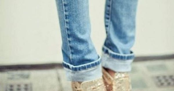 sparkly gold heels + ripped jeans