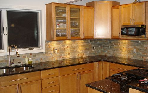 Maple Kitchen Cabinet Backsplash Tile Patterns | Maple Honey Spice