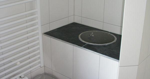 De stortkoker in de badkamer boven er komt nog een mooie deksel op opnieuw beginnen na een - Opnieuw zijn toilet ...