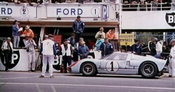 This Time Tomorrow The 1966 Le Mans Documentary Voiture De Course Ford Gt40 Voiture Miniature