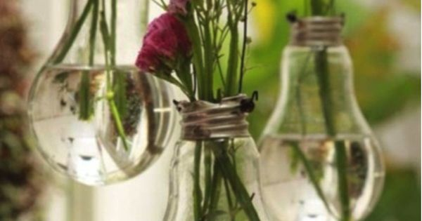DIY hanging light bulb vase. This is a really cute idea especially