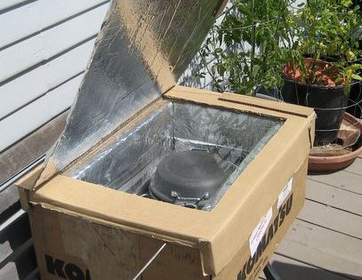 Cooking off the grid: Building a solar cooker. I pinned this thinking